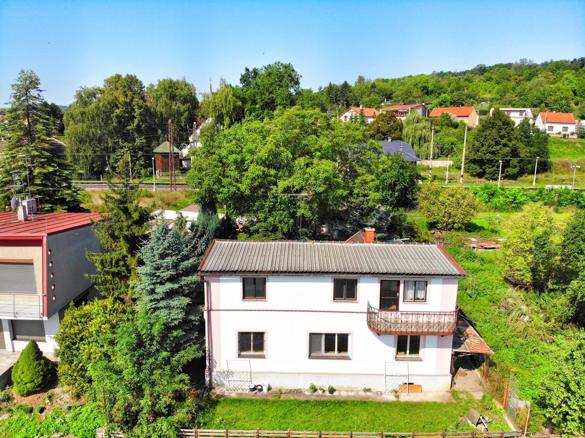 Prodej krásného rodinného domu u Vltavy v Nelahozevsi