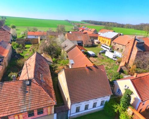 Zemědělská usedlost Šlapanice, Zlonice